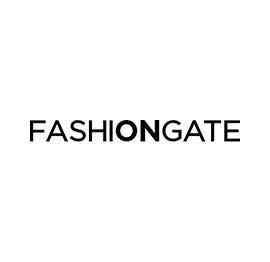 Duas lojas que dedicam a sua atenção ao vestuário e acessórios de marcas  como Lacoste e Desigual! 61f10414357